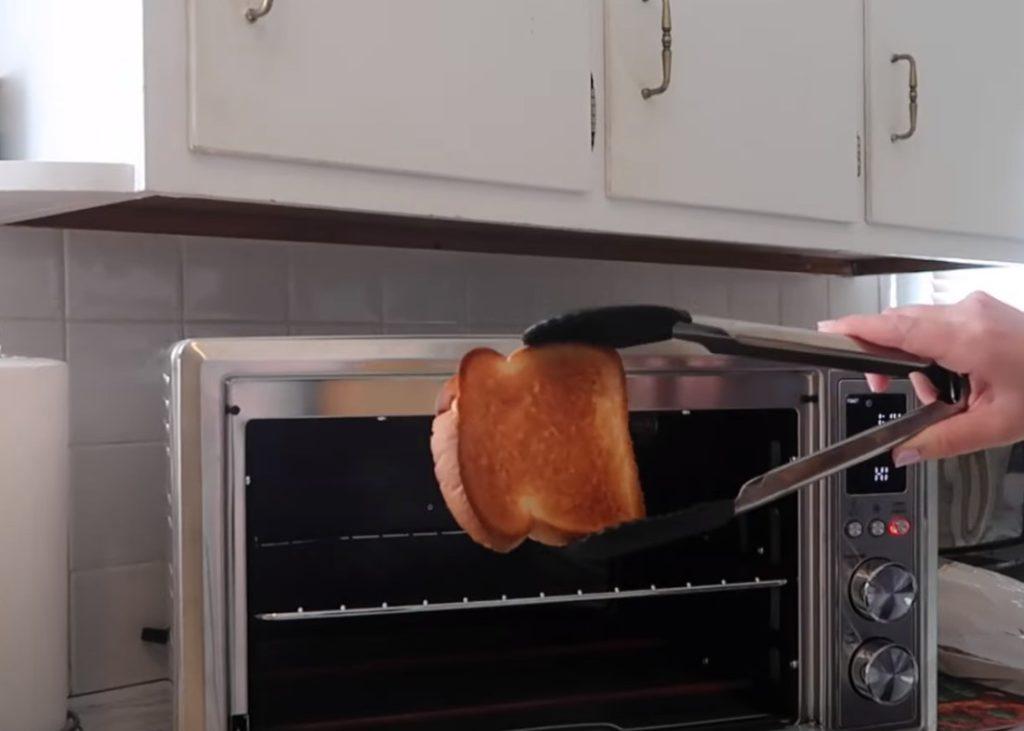 Cosori CO130-AO toast
